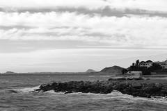 Fins el mar. (lluiscn) Tags: mar bn vila olas arsenal ones caravana villajoyosa país joiosa valencià espigó