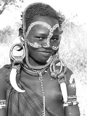.Mursi7 (Olivier DARMON) Tags: africa portrait white black noir skin african details tribal tribes tribe nudity et scarification femmes afrique oubliés blancblack africantribes olivierdarmon detailsethiopia incisiondelapeau lasttribes