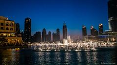 Arab Emirates 131028 18_13_20 (Renzo Ottaviano) Tags: show fountain dubai united emirates khalifa arab lorenzo uniti renzo arabi burj برج emirati دبي ottaviano نافورة emiratiarabiuniti خليفة