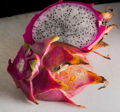 Dragon Fruit On The Cutting Board (Bill Gracey) Tags: cactus nature fruit fruta edible softbox dragonfruit softlight cuttingboard pitahaya directionallight offcameraflash hylocerus lastoliteezbox yn560ii yongnuorf603n