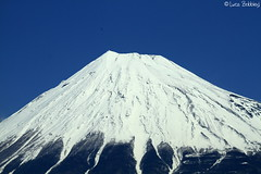 Fuji-san (Luca Bobbiesi) Tags: nature japan landscape volcano fuji mount vulcano canonef100400mmf4556lisusm canoneos7d