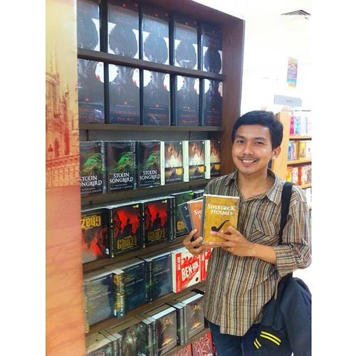 Arthur Conan Doyle book fan photo