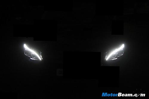 2015-Mercedes-C-Class-Diesel-01
