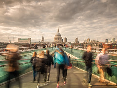 Rushing home (Andrew H-W) Tags: street city uk sunset london weather clouds landscape soft time tripod places millenniumbridge lee nd gran stpaulscathedral filters 06 graduated 2016 neutraldensity 2stop imagetype andrewhaywardwills