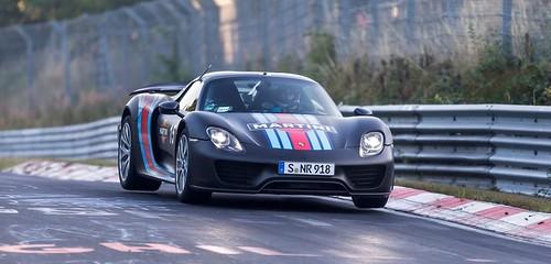 Porsche 918 Spyder устанавливает рекорд Нюрбургринга