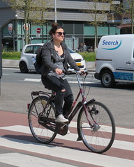 Amsterdam Oost Wibautstraat bike (GeRiviera) Tags: netherlands girl dutch amsterdam bike iamsterdam candid nederland noordholland oost wibautstraat