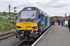68025 at Kidderminster. 20/5/16 (Nick Wilcock) Tags: superb railways svr severnvalleyrailway kidderminster drs dieselgala vossloh directrailservices 68025 class68