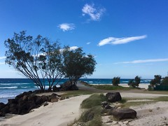Cooly xploring (YAZMDG (15,000 images)) Tags: ocean seascape beach skyscape australia coolangatta