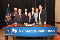Governor Cuomo Signs First-in-the-Nation Executive Order Directing Divestment of Public Funds Supporting BDS Campaign Against Israel (governorandrewcuomo) Tags: newyorkcity newyork israel palestine newyorkstate boycott eo bds executiveorder governorandrewmcuomo divestmentandsanctionsmovement
