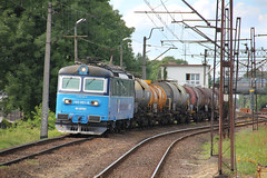 20160611 0214a (szogun000) Tags: railroad station electric train canon tren tank cd engine poland polska rail railway cargo locomotive trem treno freight tanker fuel e30 locomotora lokomotive wrocaw pkp locomotiva lotos koda pocig   lokomotywa elektrowz lowersilesia dolnolskie dolnylsk towarowy lotoskolej 182001 class182 wrocawmuchobr canoneos550d canonefs18135mmf3556is ce59 kolejeczeskie 1820018 d29273 d29275 d29757 d29758