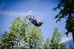Bear Mountain Bike Park-4661 (mariskar) Tags: cycling jumping air bikes bearmountain biking mtb airbag mountainbiking crankworx freeride victoriabc bikepark dirtjumping bearmountainresort jordielunn thecyclingco bearmountainbikepark