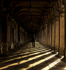 """""""Procuratie Vecchie"""", Underpass (San Marco) (filippogatteschi) Tags: portico underpass procuratie vecchie piazza san marco canon eos 70d venezia venice architecture laguna lagoon st marc square italy tourism travel tamron 24 70 2470 shadows highlights contrast morning sunrise early dawn shadow effect people center simmetry agameofshadows"""