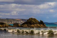 Looe Wave (JKmedia) Tags: boultonphotography coastal looe cornwall seaside seabird canoneos7dmarkii rock wave break sky town sea splash landscape