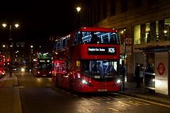 CTPlus 2505 (SN16 OHU) Route N26 (LFaurePhotos) Tags: street bus london night trafalgarsquare vehicle charingcross centrallondon 2505 ctplus routen26 sn16ohu