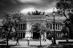 2016-06-29112A9488 (___Toni___) Tags: teatro blackwhite palermo politeama