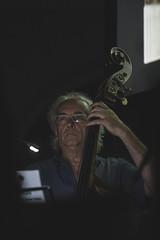 Visioni Sonore 038 (Cinemazero) Tags: jazz biblioteca chiostro pordenone busterkeaton cinemamuto jorisivens cinemazero zerorchestra visionisonore claudiocojaniz giannimassarutto massimodemattia