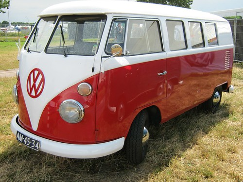 "AM-45-34 Volkswagen Transporter kombi 1964 • <a style=""font-size:0.8em;"" href=""http://www.flickr.com/photos/33170035@N02/8999533732/"" target=""_blank"">View on Flickr</a>"