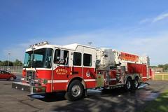 Muncie Fire Department Tower 5 (Tyson1976) Tags: firetrucks laddertruck emergencyvehicles muncieindiana munciefiredepartment aerialfiretruck aerialladderfiretruck ferrarafireapparatus midmountladderplatform