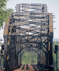 Brcke. (universaldilletant) Tags: bridge frankfurt brcke bahn gleise