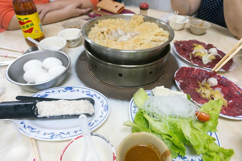 高雄鹽埕美食|廣東汕頭味味香牛肉爐二訪