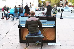 Piano Player - 2 (gary8345) Tags: paris piano streetperformer pianist odeon 2013