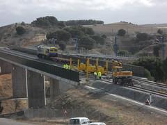 Continental Rail - 319.306 trabajando en un viaducto sobre el ro Adaja (CARLOS123456) Tags: en ro continental rail el un sobre trabajando viaducto adaja 319306