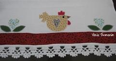 Guardanapo com uma galinha (vaniathomazim) Tags: galinha artesanato patchwork cozinha guardanapo croche guardanapos patchcolagem
