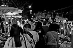 Sunday night bazaar Chiang Mai. (Faisal Aljunied) Tags: street blackandwhite bw monochrome 35mm asian thailand mono yahoo nikon asia southeastasia flickr streetphotography monotone thai chiangmai nightlife nikkor streetvendor crowded nightbazaar streetsnap flickriver d7000 flickrblackandwhite nikon35mm18g 35mm18g nikond7000 nikond7000pictures travelingtothailand nikond7000flickr nikond7000blackandwhitepictures faisalaljunied