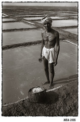 saltfield (hindustanpics) Tags: street travel portrait people blackandwhite bw india white black blancoynegro film monochrome analog asia noir noiretblanc salt documentary analogue weiss orissa ganjam schwarz