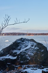 Lauttasaari (hessu_man) Tags: winter ice nature finland helsinki europe outdoor lauttasaari waterscape e0mmf0 contaxgcarlzeissplanar245t captureone8