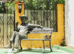smoking section (s@ssyl@ssy) Tags: cuba varadero cigar bench seat 100x bronze statue sculpture