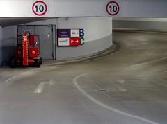 P5172575 (roman.gieszczyk) Tags: street red garage poland polska olympus wrocaw