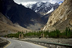DSC3609 Somewhere along KKH. (najeebmahmud) Tags: bridge blue trees pakistan snow mountains green nature clouds fence river landscape nikon highway rocks hill north bluesky karakoram nikkor woodenbridge d810 nikond810 nikkor2470mm