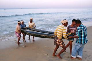 India - Kerala - Varkala - Fishermen - 72
