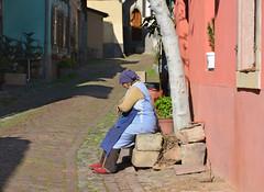 Scne de vie. (Bernard P.) Tags: france nikon rue campagne ville vie