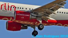 D-ABCL - Air Berlin - Airbus A321-211(WL) (Juan Rodriguez - PMI/LEPA) Tags: plane airplane nikon aircraft sigma airbus mallorca palma aeropuerto 80400mm airberlin a321 oneworld d90 sonsanjuan sonsantjoan dabcl pmilepa