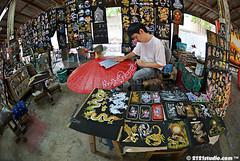 Umbrella Art (2121studio) Tags: handicraft thailand chiangmai siam handycraft travelphotography amazingthailand  bosang umbrellafactory borsang  umbrellavillage   travelinthailand sankamphaeng   landoftiger landofwhiteelephant thaitourinformation