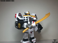 IMG68_1270 (ThanhQuan_95) Tags: white ranger power deluxe tiger legendary mighty rangers legacy mega bandai mmpr morphin megazord tigerzord