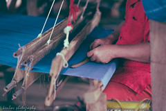 (~kenlwc) Tags: leica blue red color art thailand photography hand handmade traditional clothes human chiangmai cloth weave 75mm kenleung summilux75mm m9p leicam9p kenlwc