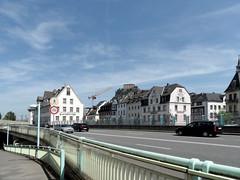 Koblenz-Ehrenbreitstein (onnola) Tags: street car germany deutschland hotel traffic autos fortress verkehr koblenz rheinlandpfalz festung gelnder ehrenbreitstein rhinelandpalatinate strase b42 2rad mitschke bundesstrase hoegg