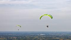 Paramoteurs (Les pieds dans le vide) Tags: france sport aerialview paysage fr ulm casson paysdelaloire paramoteur survol vuearienne
