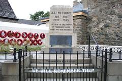 Fishguard War Memorial. (aitch tee) Tags: monument memorial remembrance wreaths warmemorial plinth lestweforget fishguard wewillrememberthem pembrokeshirecoastnationalpark