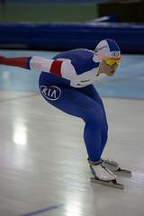 A37W0597 (rieshug 1) Tags: ladies sport skating worldcup groningen isu dames schaatsen speedskating kardinge 1000m eisschnelllauf juniorworldcup knsb sportcentrumkardinge worldcupjunioren kardingeicestadium sportstadiumkardinge