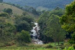 """Cantinho da Cachoeira"" (Mrcia Valle) Tags: brazil minasgerais water gua brasil rural waterfall nikon interior cachoeira roa cascata juizdefora humait interiordobrasil d5100 mrciavalle"