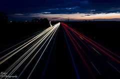 DSC_1528 (Kubiii Photography) Tags: grn photography nikond7000 nikon nikonphotography leipzig kubiiiphotography highway speed cars white red stripes sky clouds sun
