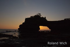 Bali - Pura Batu Balong (Rolandito.) Tags: sunset bali indonesia temple asia south lot east southeast pura batu tanah balong