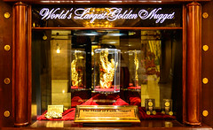 -The Hand of Faith- Nugget at the Golden Nugget (Diacritical) Tags: gold lasvegas f28 iso1600 goldennugget 36mm aperturepriority 2470mmf28 2013 130sec handoffaith nikond4 130secatf28