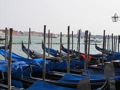gondole in attesa....... (g.fulvia) Tags: italia barche venezia gondole canali