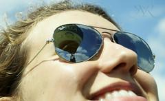 La Rioja en globo (Missy Stardust) Tags: blue sky hot sol girl smile sunglasses de chica balloon happiness gafas sonrisa felicidad globo aerosttico