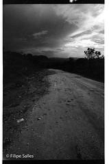 Parque Nacional da Chapada dos Veadeiros - GO (Filipe Salles) Tags: road sunset brazil nationalpark twilight chapadadosveadeiros altoparaisodegoias filipesalles brazilianlandscapes brazilianplaces viladesjorge